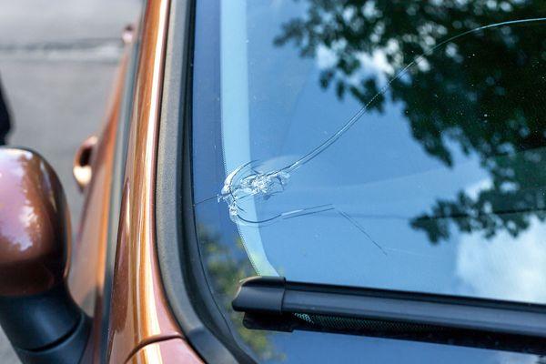 broken windshield replacement