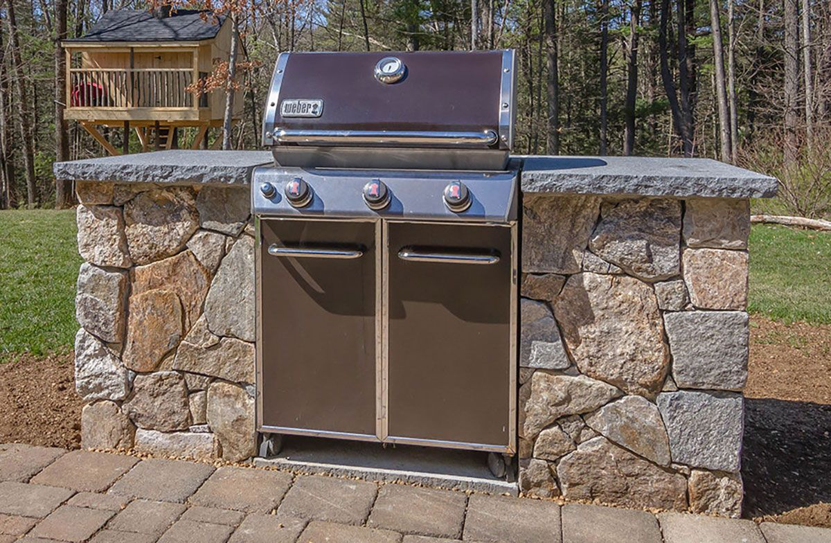 outdoor kitchen designers