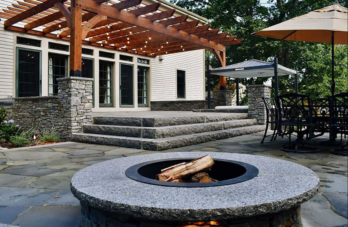 patio with outdoor firepit