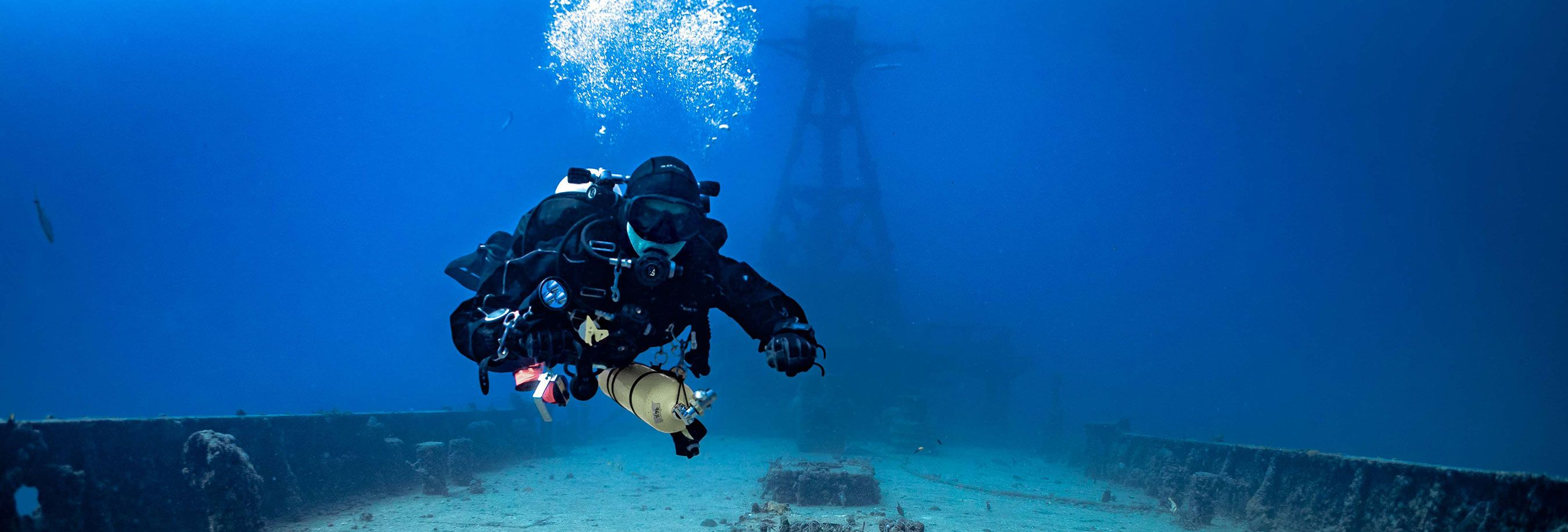 TDI-Diver-with-Doubles-and-Sidemount-Above-Wreck-Photo.jpg